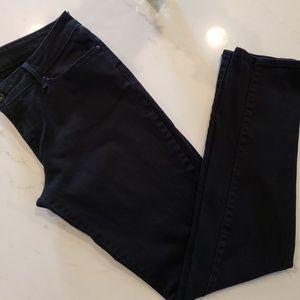 Lightly Worn Black Levi's Demi Curve Skinny Jeans